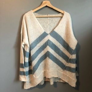 Free People soft sweater - size L